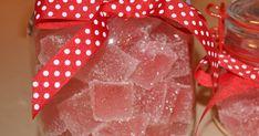 """Har du begynt å planlegge julen? Eller har du kanskje en gammel tante du har lyst å overraske med noe godt? Da er kanskje """"Julens beste s... Gift Wrapping, Baking, Gifts, Gift Wrapping Paper, Presents, Wrapping Gifts, Bakken, Favors, Gift Packaging"""