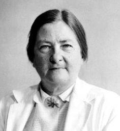 La médica y patóloga Dorothy Hansine Andersen (1901-1963) nació un 15 de mayo. Fue la primera persona en reconocer la fibrosis quística como una enfermedad,