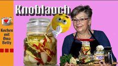 Knoblauchbutter mit Kräutern und Zitrone - Rezept von Bettina Böhme Chili, Chicken, Meat, Food, Pickled Garlic, Garlic Recipes, Pickling, Chile, Essen