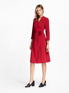 See the complete Brooks Brothers Pre-Fall 2017 collection.
