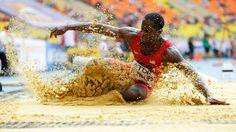 l XIV Campeonato Mundial de Atletismo se celebra en Moscú (Rusia)