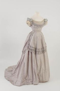 Evening dress, 1871From the Fashion Museum, Bath on Twitter