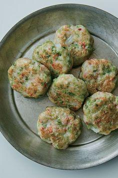 あおさと海老のつくね Seafood Recipes, Gourmet Recipes, Cooking Recipes, Easy Recipes, Japanese Food, Cravings, Easy Meals, Food And Drink, Dishes