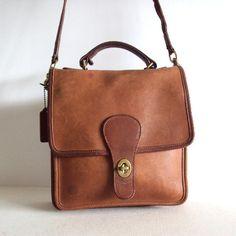 Vintage Leather COACH station Cross body Bag