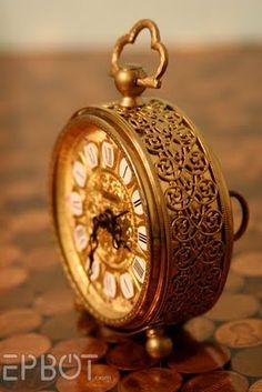steamy clock makeover by Jen @ EPBOT