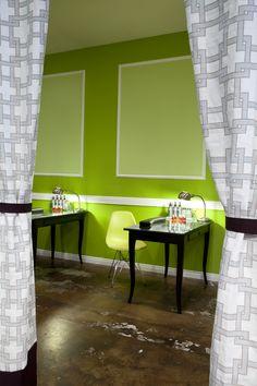 Green Nail Salon