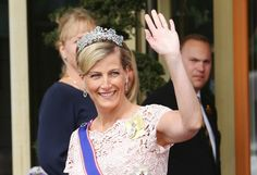Sophie, Countess of Wessex and Prince Edward arrive at Princess Madeleine's royal wedding - Photo 1   Celebrity news in hellomagazine.com