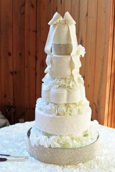 All About Wedding Cakes | Pastries By Vreeke, Wedding Favors & Gifts, Wedding Wedding Cake ...