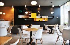 Interior pizzeria flavours, maner Gola. Conference Room, Nyc, Pasta, Interior Design, Table, Furniture, Home Decor, Interiors, Nest Design