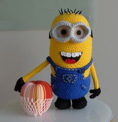 """Who doesn't love the minions from """"Despicable Me""""? Make your very own detailed minion with removable goggles and removable overalls with my free crochet pattern!"""