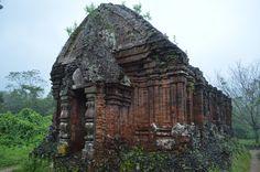 My Son, de ruïne van oude hindoe tempels (UNESCO erfgoed). Goed te bereiken vanuit Hoi An. http://pimenjiska.nl/schilderachtig-vietnam-in-hoi-an