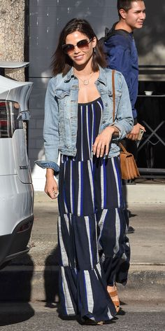 For a casual outing, Jenna Dewan paired a striped maxi dress with a denim jacket and a suede Saint Laurent bag Maxi Outfits, Casual Dress Outfits, Casual Summer Dresses, Trendy Dresses, Nice Dresses, Denim Dresses, Denim Outfits, Formal Outfits, Denim Skirts