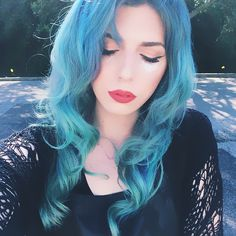 Turquoise blue hair color, wonderful mermaid hairstyle shown from vp girl~