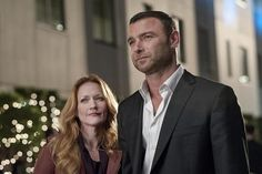 Ray Donovan Review: For Love or For Money?  Just read the damned reviews already. Quit making me beg!