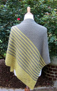 Oh, how I have admired Paulina Popiolek's Cameo! It is beauty and simplicity wrapped into one wrap. I asked Paulina if she would allow me to try my hand at a crocheted version inspired by her design, and she told me to go for it. Here, then, is Lara's Wrap.