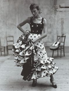 Trends colliding. Polka dots and ruffles on Laura Ponte in Vogue Espana 1998.