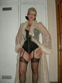 Grannies in garters