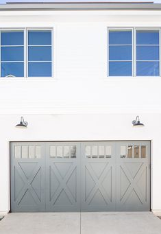 Newport Island Beach House Craftsman Front Doorsgrey Garage
