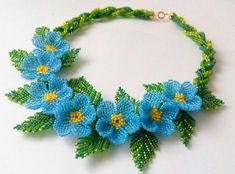 Seed Bead Flowers, Beaded Flowers, Bead Jewellery, Seed Bead Jewelry, Beaded Jewelry Patterns, Beading Patterns, Baubles And Beads, Seed Bead Necklace, Bead Art