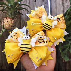 Trendy baby crafts to make handmade gifts ideas 62 ideas Diy Ribbon Flowers, Yarn Flowers, Ribbon Bows, Ribbon Hair, Handmade Hair Bows, Diy Hair Bows, Diy Bow, Handmade Gifts, Baby Crafts To Make