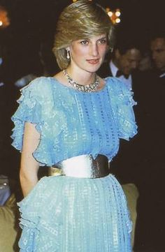 March Prince Charles & Princess Diana at Wentworth Hotel for the Sydney Charity Ball during the Royal Tour of Australia. Lady Diana Spencer, Diana Fashion, Royal Fashion, Fashion Idol, Prince And Princess, Princess Of Wales, Real Princess, Charles And Diana, Prince Charles