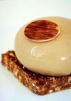 Recette de petit gâteau Cappuccino, pour les adultes principalement, à la fois doux et suave, pour les amateurs de café ayant du caractère.