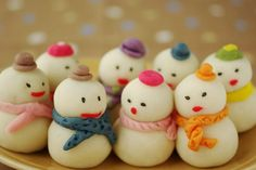 Fun winter snowman sweets: The thing ordinary Japanese Wagashi, Japanese Sweets, Cute Bento, Kitchen Art, Cute Food, Christmas Time, Xmas, Confectionery, Beautiful Christmas