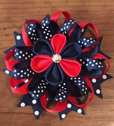 Artículos similares a Kanzashi Loopy Bows en Etsy Making Hair Bows, Diy Hair Bows, Diy Bow, Ribbon Crafts, Ribbon Bows, Diy Ribbon, Headband Crafts, Headbands, American Girl Hairstyles