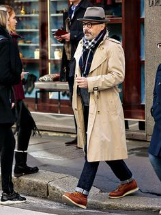 Cool and Trendy Winter Fashion Style Ideas for Men - Suitable Fashion Ideas for You Old Man Fashion, Older Mens Fashion, Winter Fashion, Men's Fashion, Fashion Ideas, Stylish Men, Men Casual, Der Gentleman, Stylish Winter Outfits