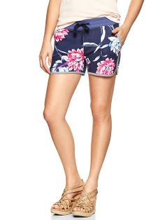 tropical floral shorts #beach #hawaii #fashion
