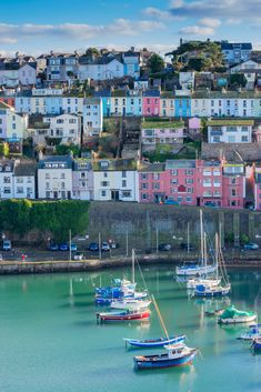, A thriving arts scene, excellent seafood and unique attractions are all waiting . , A thriving arts scene, excellent seafood and unique attractions are all waiting for you in the charming South harbour town of 💙. Devon England, Yorkshire England, Oxford England, Yorkshire Dales, London England, Devon Holidays, Romantic Destinations, Top Destinations, South Devon