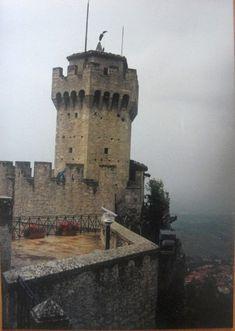 #magiaswiat #włochy #podróż #wakacje #zwiedzanie #europa  #blog #sanmarino #zamek #ruiny #wieża #państwo Mount Rushmore, Mountains, Nature, Blog, Travel, Europe, Naturaleza, Viajes, Blogging