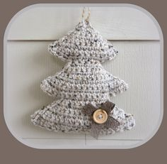 Hip & Kneuterig: Kerstboompjes haken! Christmas Tree Hooks, Christmas Tree Pattern, Crochet Christmas Ornaments, Holiday Crochet, Christmas Angels, Christmas Crafts, Crochet Tree, Crochet Motif, Crochet Crafts