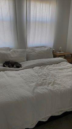 Room Ideas Bedroom, Bedroom Inspo, Home Bedroom, Bedroom Decor, Bedrooms, Dream Rooms, Dream Bedroom, Minimalist Room, Cool Rooms