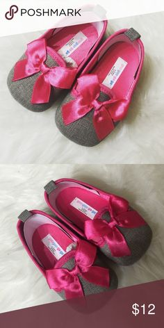 Gray flats with pink bow detail  9-12 months gray flats with pink detail Shoes Slippers