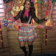 Vestidos para Festas Juninas | Como fazer em casa Mexican Birthday Parties, Mexican Party, Vestidos Chiffon, Fantasy Party, Party Looks, Dress Codes, Fashion Outfits, Womens Fashion, Cheer Skirts