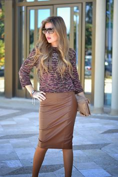 FUR COAT Brown Leather Skirt, Zara, Fur Coat, Style Inspiration, Lifestyle, Outfit, Skirts, Sweaters, Dresses