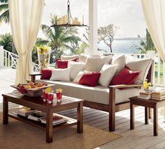 Área de Lazer com requinte e simplicidade, usando móveis de madeira.