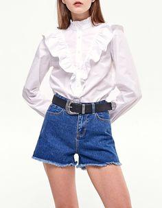 High waist vintage denim shorts - Clothing | Stradivarius Spain
