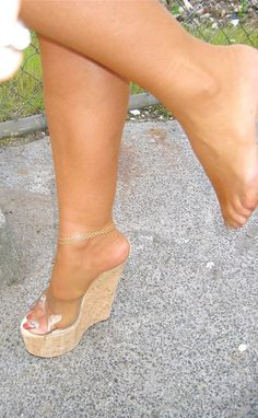 Sexy High Heels, High Heels Boots, Beautiful High Heels, Sexy Legs And Heels, Hot Heels, Sexy Zehen, Talons Sexy, Quoi Porter, Pantyhose Heels