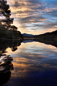 Loch Dùghaill is a freshwater loch on the River Carron in Wester Ross, Scotland. The Beautiful Country, Beautiful World, Beautiful Images, Photography Photos, Landscape Photography, Print Photos Online, Island Of Skye, Wester Ross, Landscape Photos