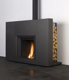 Stûv µM (Micro Mega) Contemporary built-in fireplace (closed hearth) Home Fireplace, Fireplace Surrounds, Fireplace Design, Fireplaces, Inset Stoves, Wood Burning Fireplace Inserts, Wood Burner, Contemporary Decor, Luxury Living