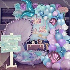 Mermaid Theme Birthday, Little Mermaid Birthday, Mermaid Themed Party, Mermaid Party Favors, Bolos Pool Party, Mermaid Balloons, Purple Balloons, Confetti Balloons, Mermaid Party Decorations