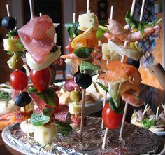 špízy Caramel Apples, Sushi, Ethnic Recipes, Desserts, Food, Tailgate Desserts, Deserts, Caramel Apple, Meals