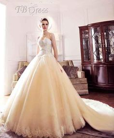 Stylish Ball Gown Floor-length Sweetheart Lace-up Ruched Chapel Train Wedding Dress