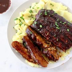 Best barbecue vegan ribs made with tender meaty jackfruit, high protein wheat gluten and all the traditional smoky BBQ spices. Rib Recipes, Vegan Recipes, Cooking Recipes, Passover Recipes, Vegan Meals, Bread Recipes, Easy Recipes, Vegetarian Barbecue, Vegan Vegetarian