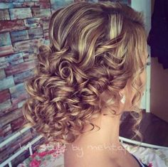 Prom updos for long curly hair Prom Hair Medium, Long Curly Hair, Medium Hair Styles, Curly Hair Styles, Updo Curly, Medium Curly, Homecoming Hairstyles, Wedding Hairstyles, Curly Prom Hairstyles
