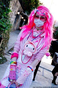 San Japan 2008 - Decora by ALP-Photography on DeviantArt Harajuku Girls, Harajuku Fashion, Japan Fashion, Teen Fashion, Fashion Show, Harajuku Style, Pastel Fashion, Kawaii Fashion, Japanese Street Fashion