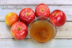 Never waste apple peels and cores again! Learn how to make apple cider vinegar at home for pennies with this simple tutorial. Apple cider vinegar with Make Apple Cider Vinegar, Apple Cider Vinegar Remedies, Apple Cider Vinegar Benefits, Vinegar With The Mother, Apple Health Benefits, Hypothyroidism Diet, Wellness Mama, Fermented Foods, Natural Remedies
