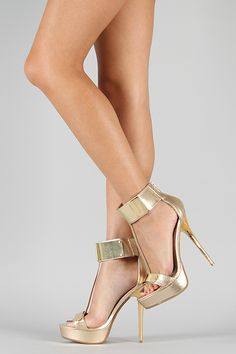Anne Michelle Socialite-60 Metal Shield Platform Sandal
